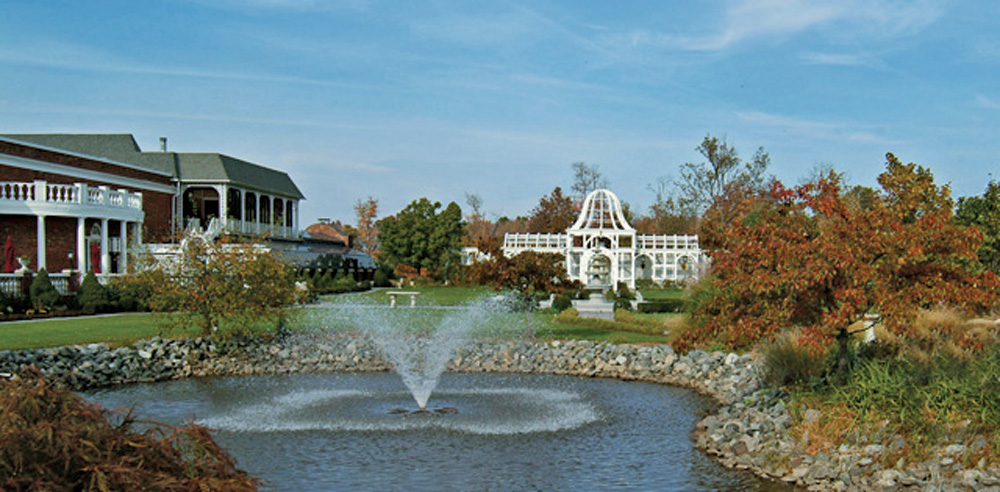 Birchwood Manor, garden panorama