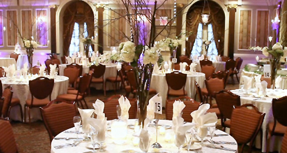 The Brownstone, Ballroom Decor