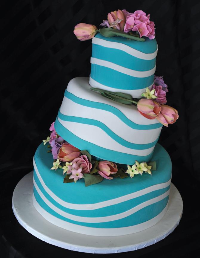 A Little Cake, Le Petit Gateau, Truly Custom Creations!
