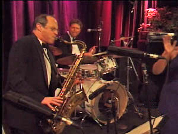 Robbie Scott & The New Deal Orchestra