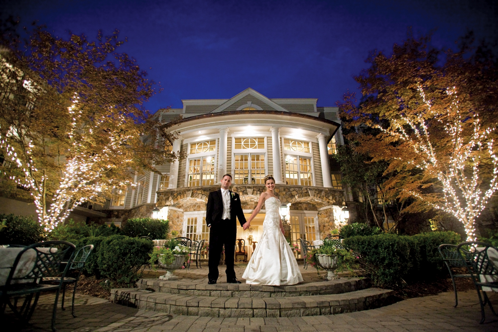 The Olde Mill Inn, Nighttime Romance (Kris Rupp Photography)