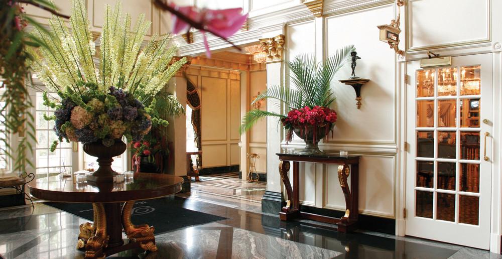 The Brownstone, Elegant Lobby (John Agnello Photography)