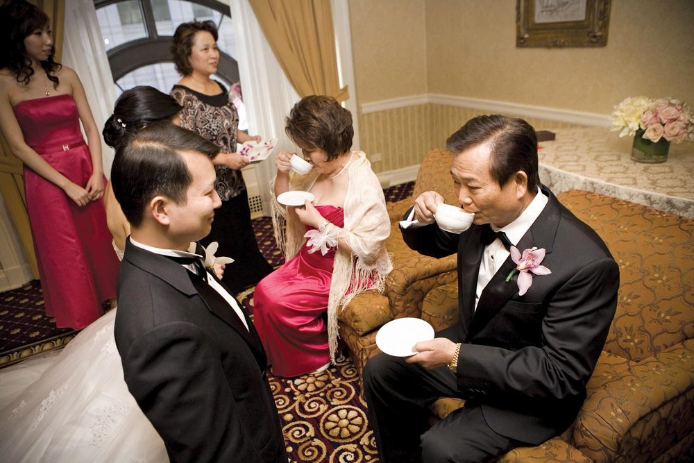 Chinese Wedding Traditions The Tea Ceremony