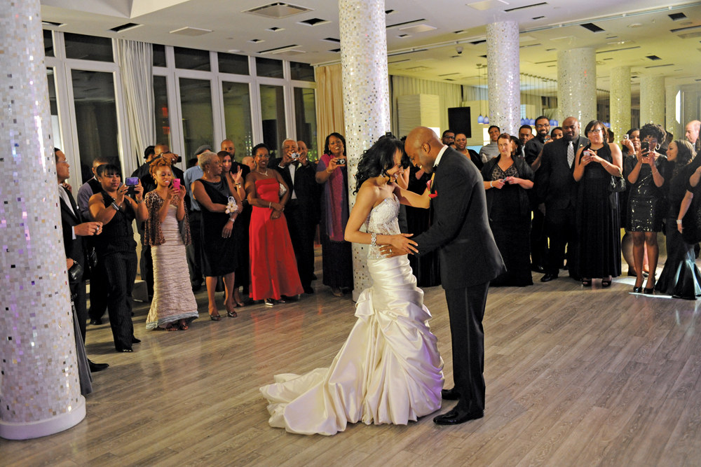 Flore Events, Wedding Planners, First Dance (John Bayley Photography)
