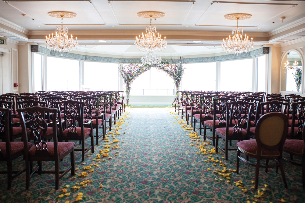 Flore Events, Flower-Bedecked Ceremony Aisle (Jorge Garcia Photography)