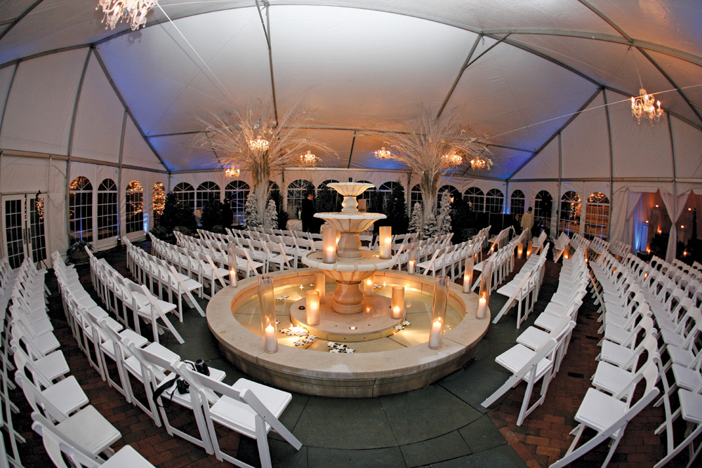 The Estate at Florentine Gardens, Ceremony by the Fountains (photo: Stark Studio NJ)