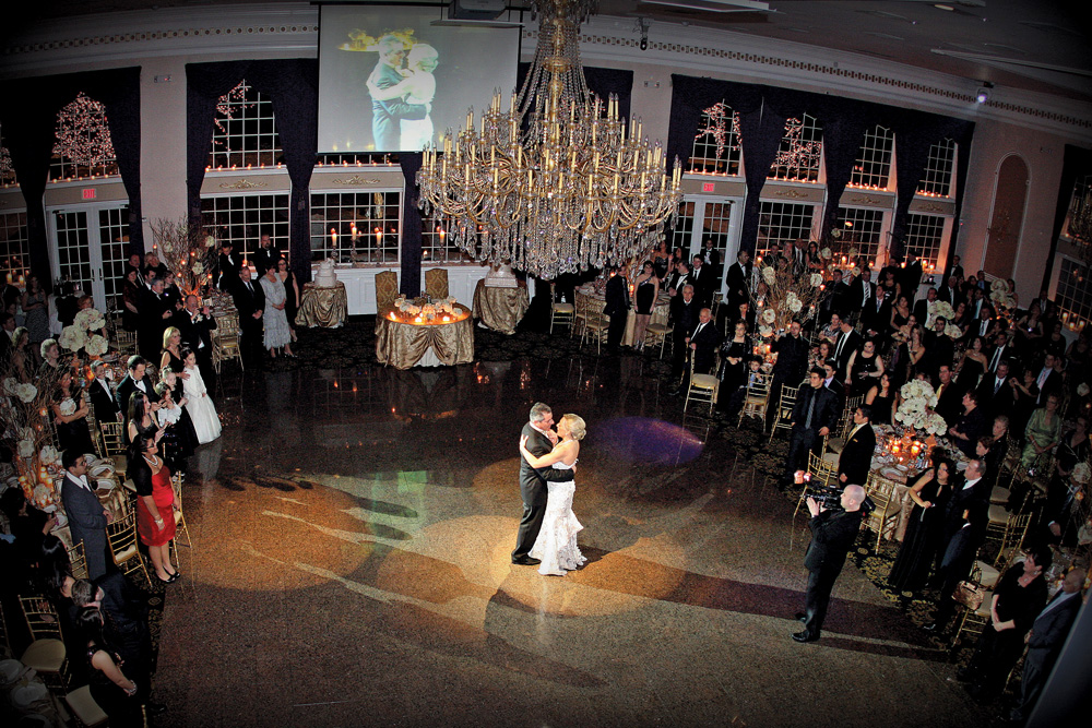 The Estate at Florentine Gardens, First Dance (photo: Stark Studio NJ)