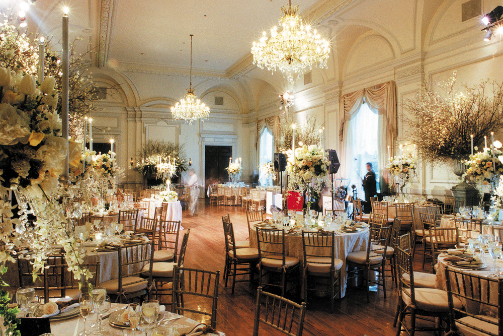 Oheka castle with garden setting wedding venue in ny for Ball room decoration