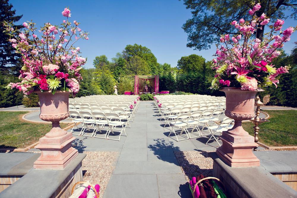 Celebrate at Snug Harbor, Tuscan Garden Ceremony (photo: Funico Studios)