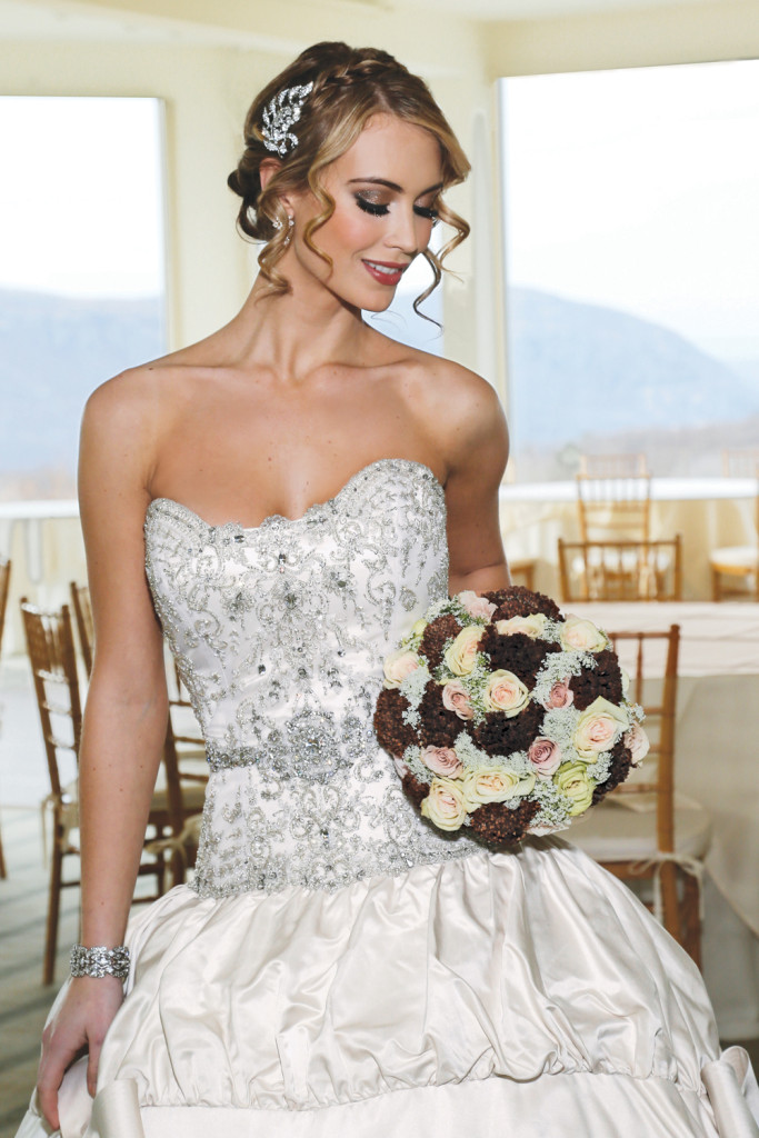 Bouquet: Mitch Kolby Events. Gown: Eve of Milady. Location: The Garrison