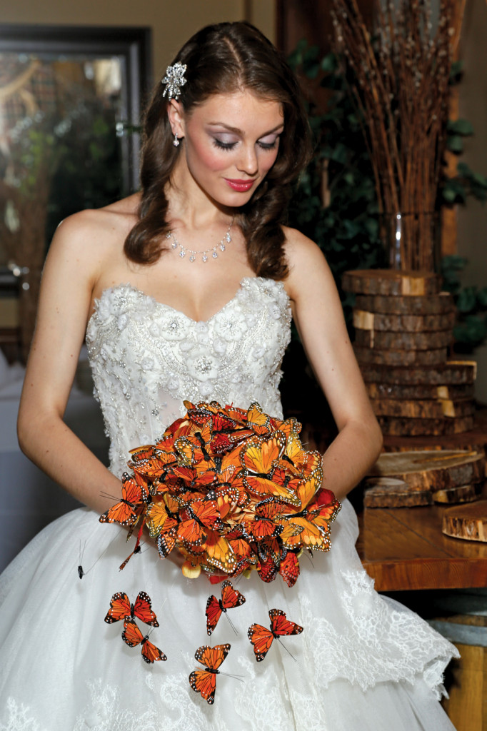 Bouquet: Mitch Kolby Events. Gown: Eve of Milady.