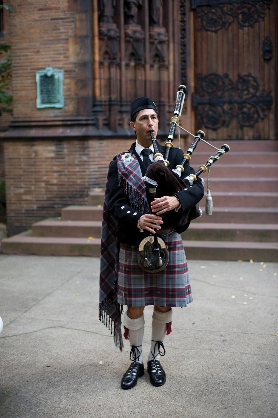 Scottish Wedding Tradi...