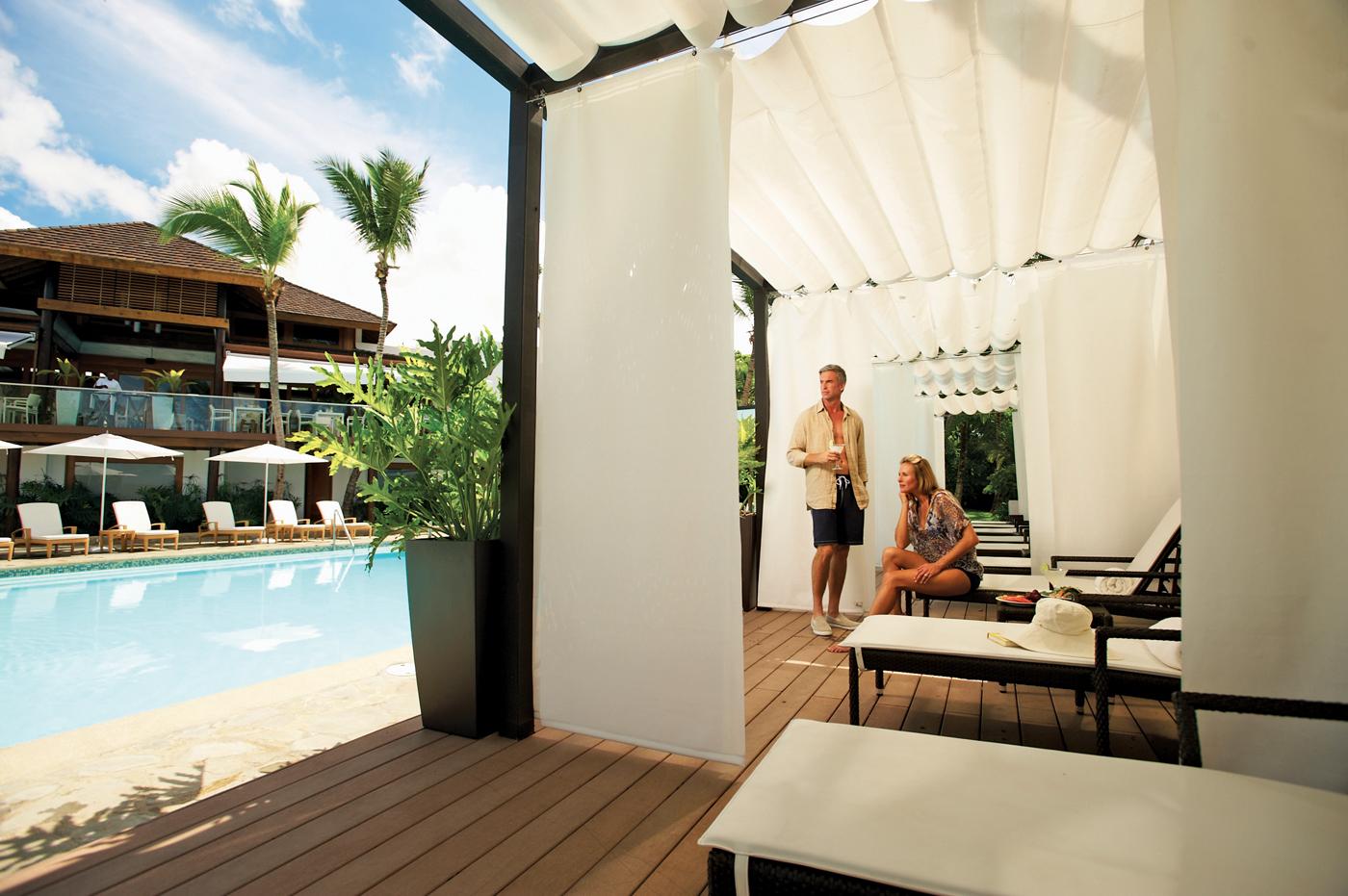 33605392-H1-Casa de Campo Main Pool Cabanas