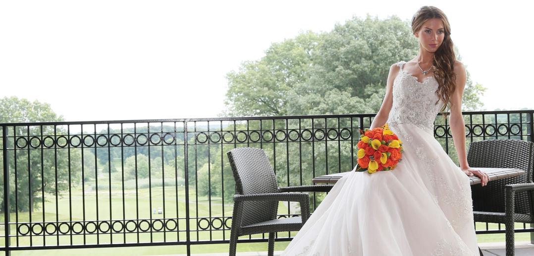 Eve of Milady (style 329, $5000). Ariston Flowers.