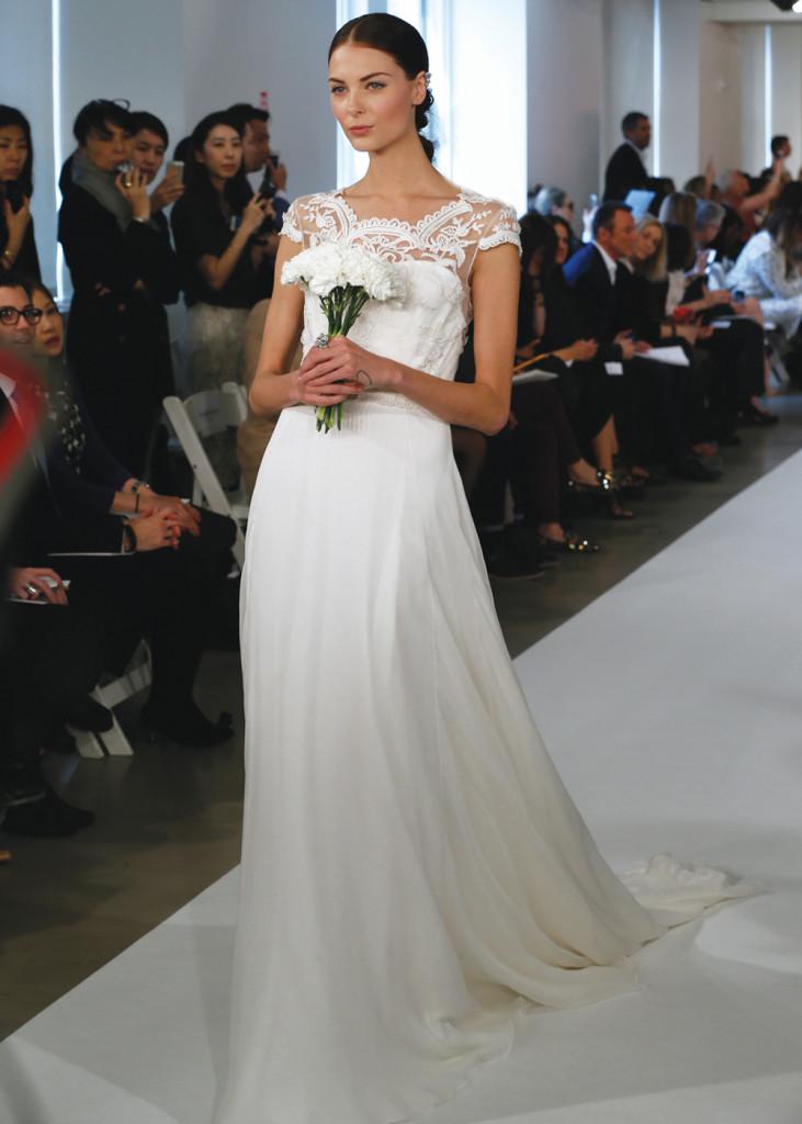 Oscar de la renta vintage a line wedding gown for Wedding dress preservation nyc