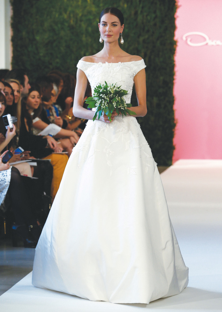 Oscar de la renta classic ballgown wedding dress for Wedding dress rental manhattan
