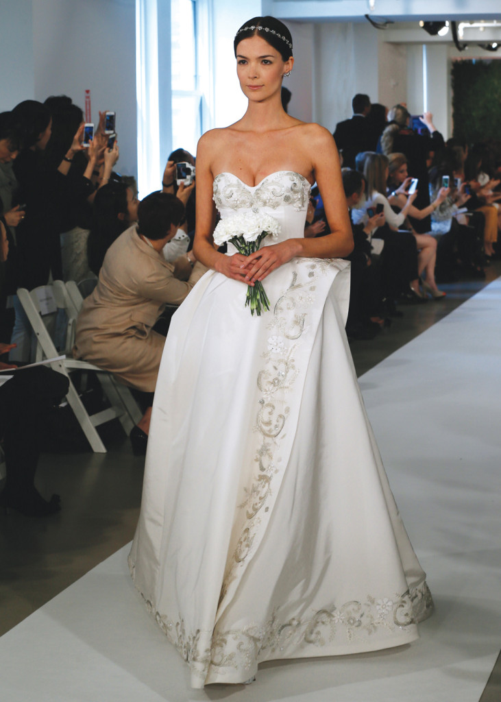 Oscar de la renta avante garde ballgown wedding dress for Wedding dress rental manhattan