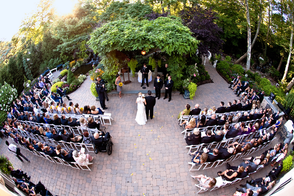 Nanina's in the Park, outdoor garden ceremony