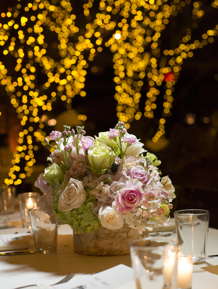 Ariston Flowers, centerpiece (Brett Matthews Photography)
