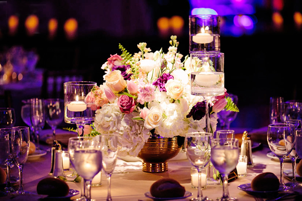 Ariston Flowers, centerpiece (Sara Wight Photography)