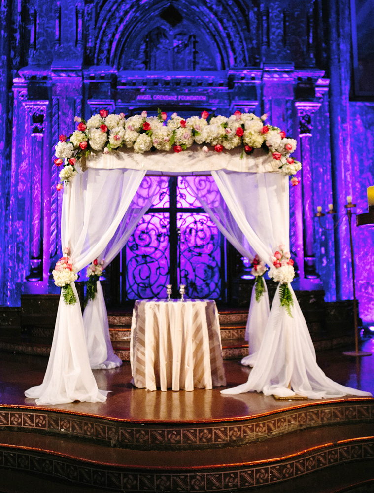 Ariston Flowers, dramatic chuppah (Sara Wight Photography)