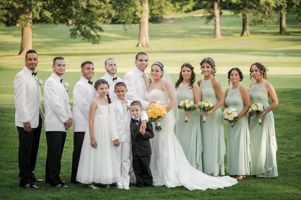 Grand Oaks Country Club, with the bridal party (Unforgettable Expressions Photography)