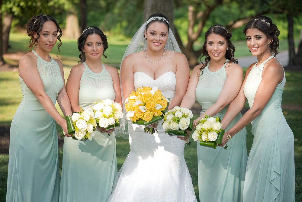 Grand Oaks Country Club, bride and bridesmaids (Unforgettable Expressions Photography)