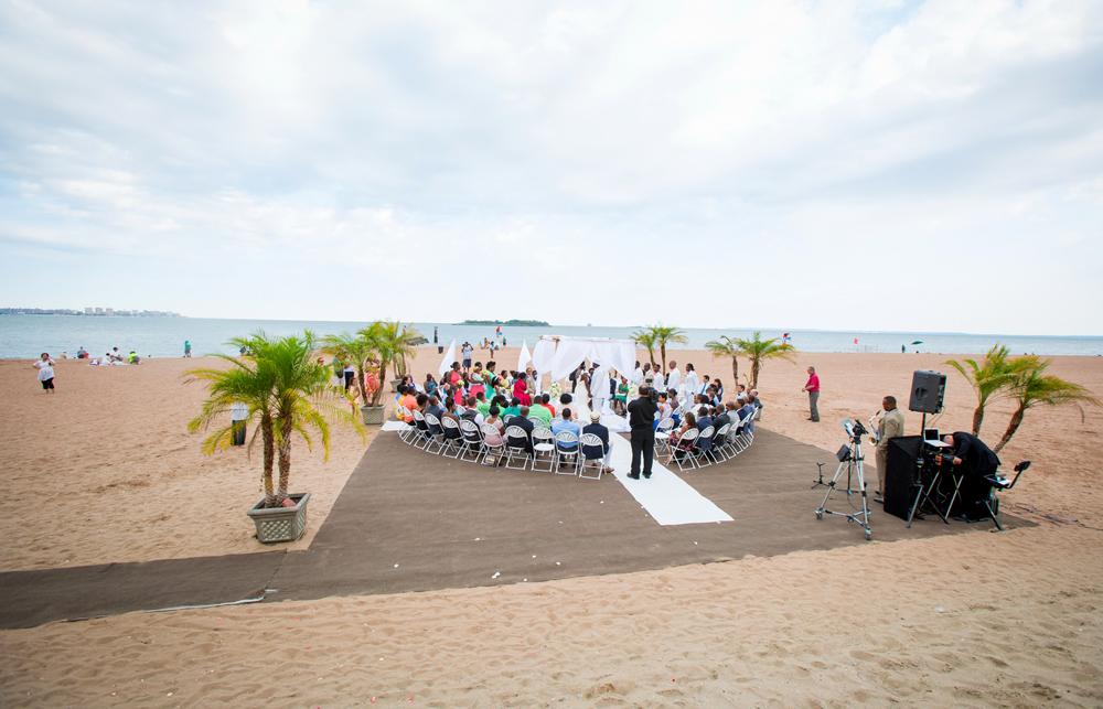 Vanderbilt, beach ceremony (VESA Photography)