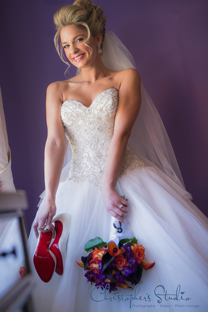 Christopher's Photography Studio, Bride with Shoes