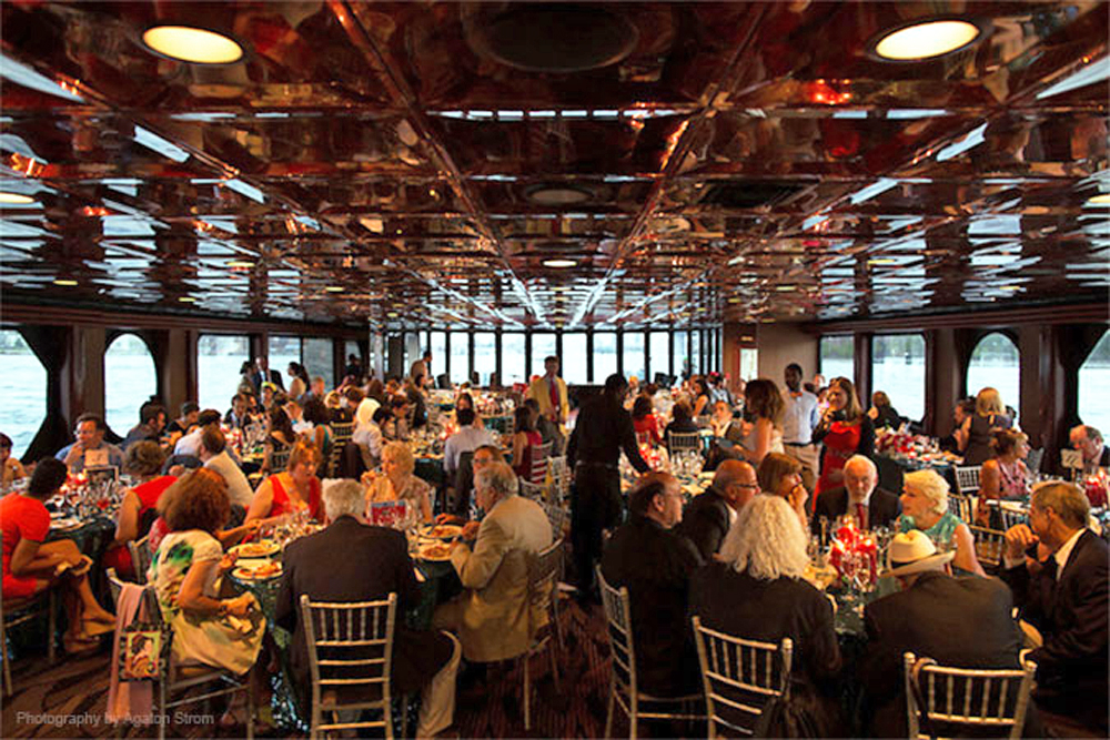 Entertainment Cruises, Reception