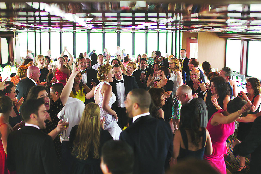 Entertainment Cruises, Helenek Reception