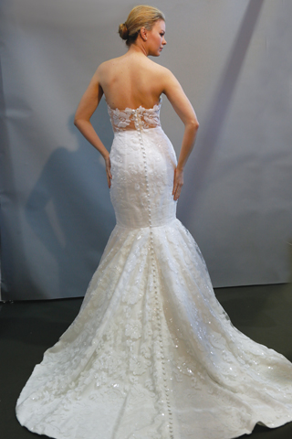 Search for Wedding Gowns with Moderate Trains in NY, NJ, CT, PA