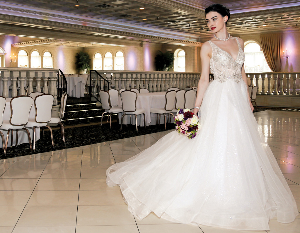 Gown-Eve of Milday (1558, $3500), Bouquet-Mitch Kolby Events