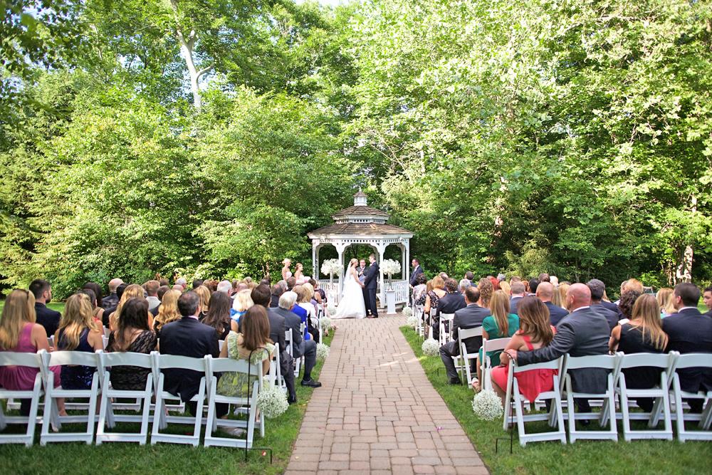 Grain House-Gazebo Wedding (Brad Ross Photography)