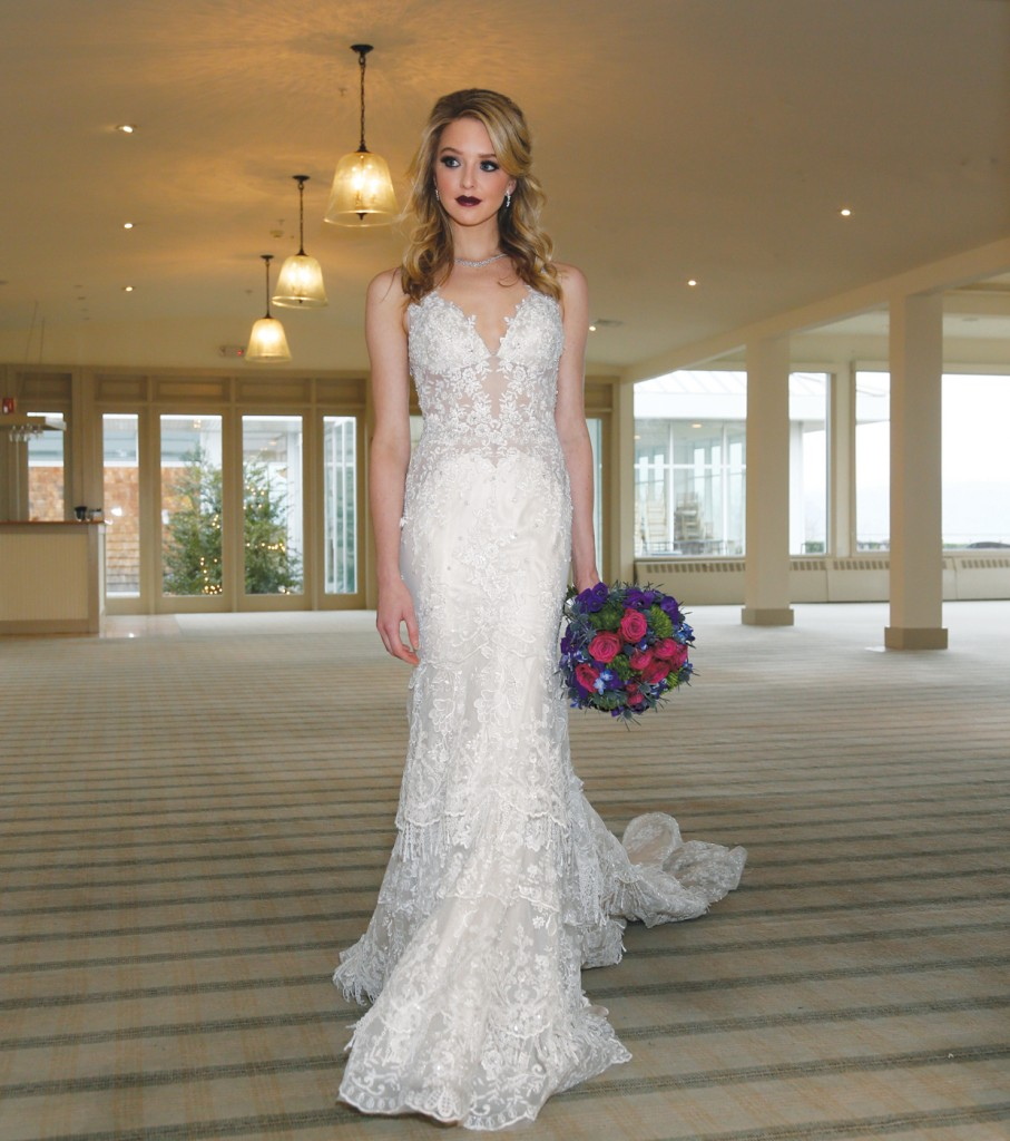Gown: Eve of Milady (1584), Flowers: Mitch Kolby Events