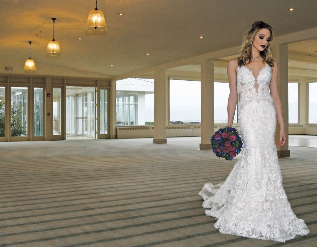 Gown: Eve of Milady (1584), Florist: Mitch Kolby Events