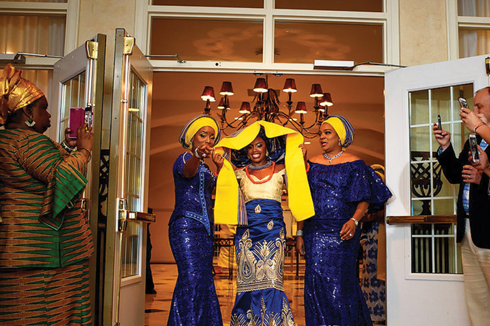 The bride enters the room (Photo: Alakija Studios)