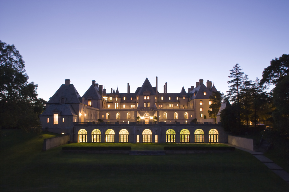 Oheka Castle, Twilight (Photo: E. Kaufman)