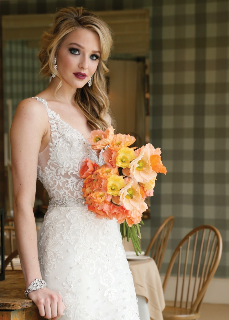 Bouquet: PMK Floral Arts. Gown: Eve of Milady (#348)
