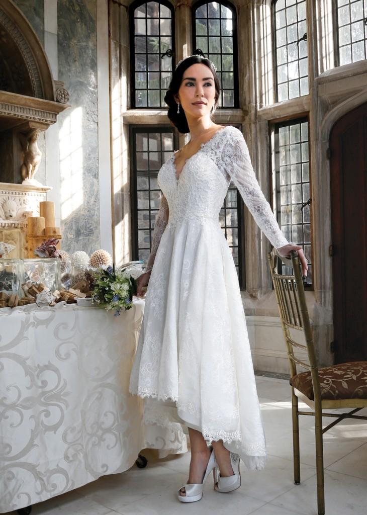Gown: Oleg Cassini (CWG770, $858), Sandra's & Donath's Florist