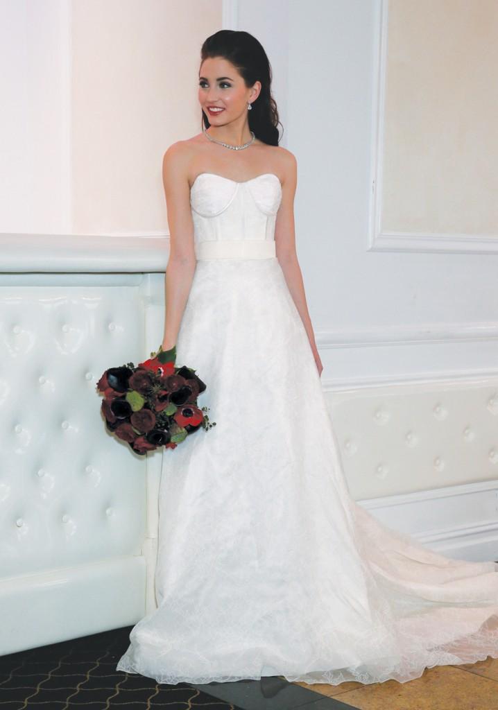 Gown: Yumi Katsura (Dasha, $3900), Ariston Flowers