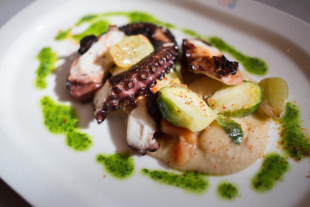Brasserie 8-1/2 Octopus