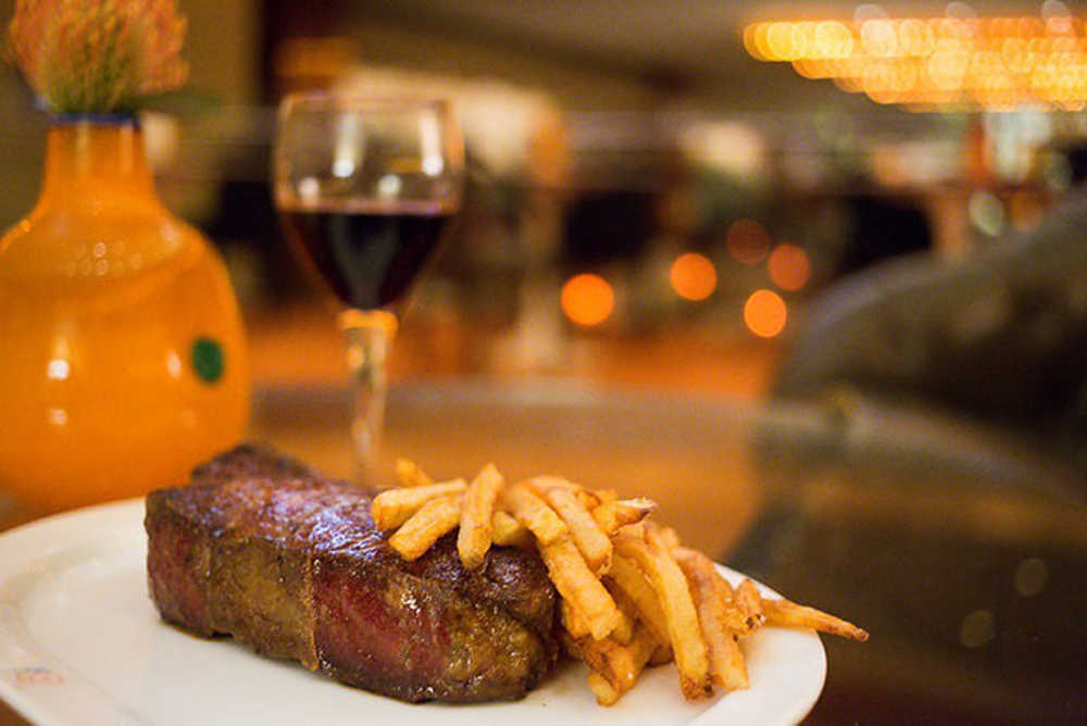 Brasserie 8-1/2 Steak & Wine