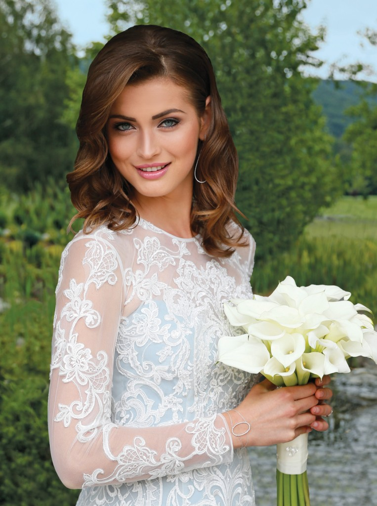 Gown: Oleg Cassini at David's Bridal (CWG782, $1,158), Ariston Flowers, Jewelry: KVO Collections