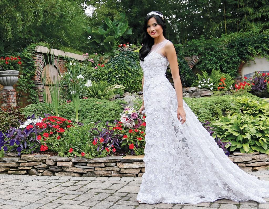 Gown: Lucia Rodriguez (LRW909, $12,000), Henry's Florist
