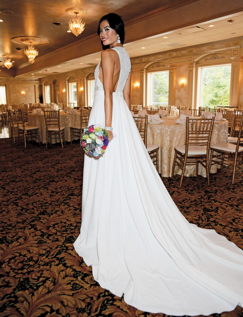 Gown: Antonio Gual at Tulle NY (Persephone, $2,650), Henry's Florist