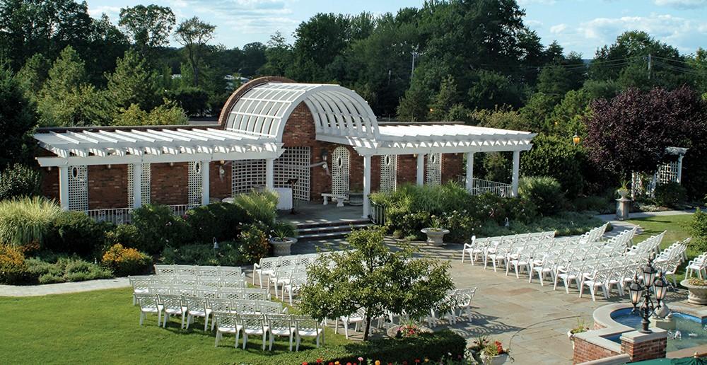 Birchwood Manor, Arbor Ceremony