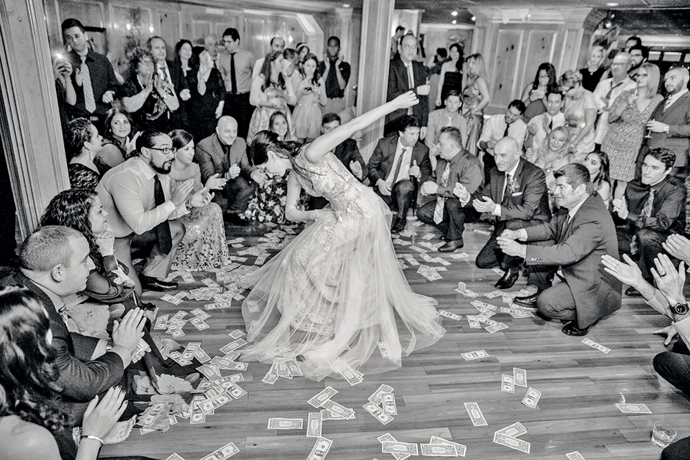 Olde Mill Inn, Greek Money Dance (Photo: Amanda Virga)