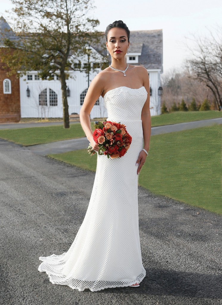 Gown: Jennifer Black at Tulle NY (Karlie, $1,960), Bouquet: Mitch Kolby Events, Jewelry: David's Bridal