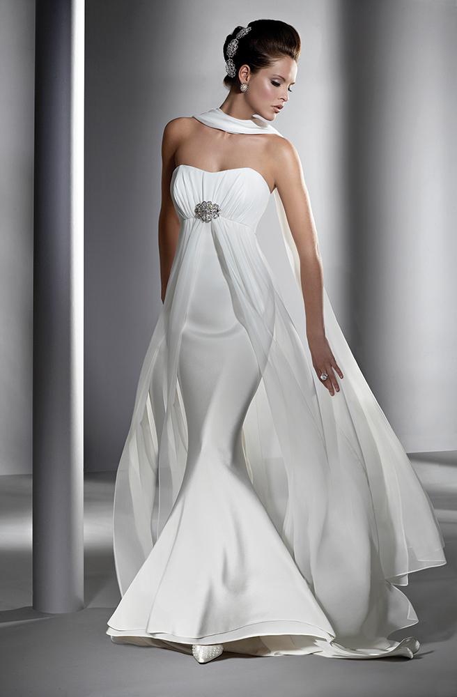 Oleg Cassini, The Wedding Dress (Photo: John Swannell)